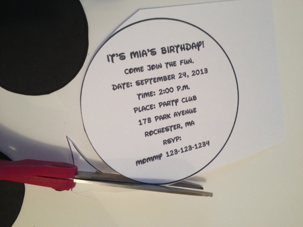 Mickey Mouse Invitation Outline